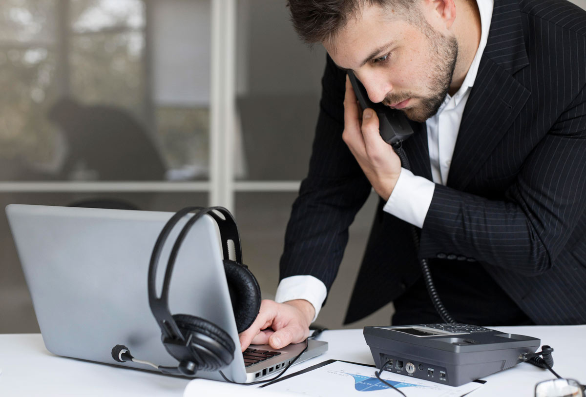 UCaaS vs. CPaaS vs. VoIP Difference