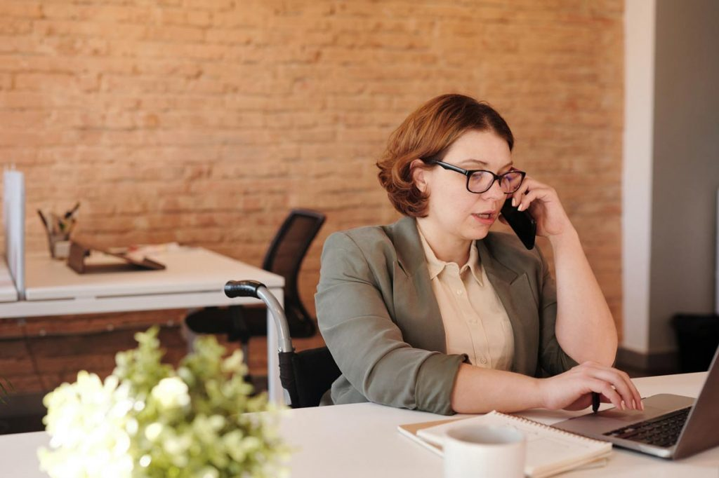 What Are the Benefits of Using Cloud PBX Services?
